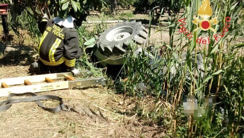 Si ribalta col trattore e muore: tragedia questa mattina in provincia di Cosenza