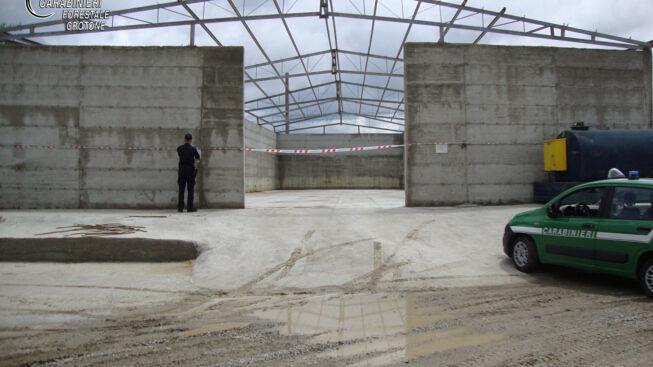 Carabinieri sequestrano capannone industriale in costruzione nel Crotonese