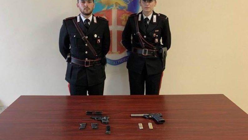 Armi e ricettazioni, arrestato fioraio reggino con la passione per le pistole e le Vespe rubate