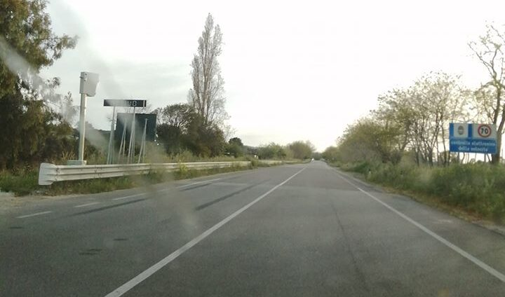 Autovelox selvaggio e raffiche di multe nel Catanzarese, esplode la protesta sulla statale 106