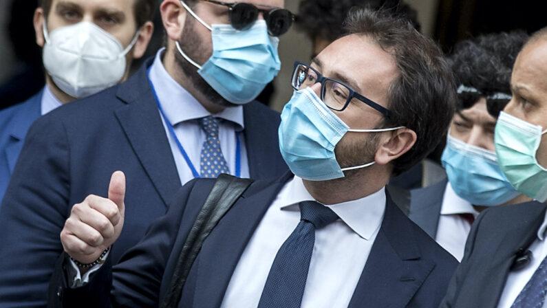 Giustizia, respinte in Senato le mozioni di sfiducia contro il ministro Bonafede. Renzi: «Abbiamo salvato il governo»