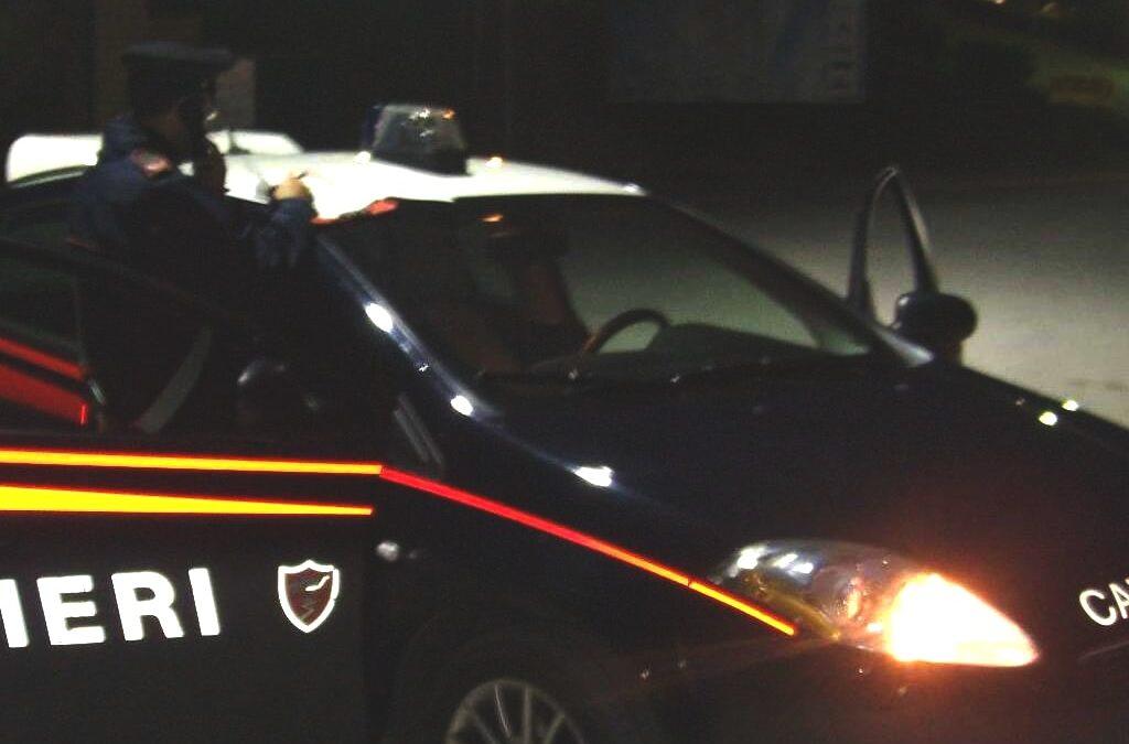 Cairano, tentano di rubare cavi elettrici, ladri in fuga alla vista dei carabinieri