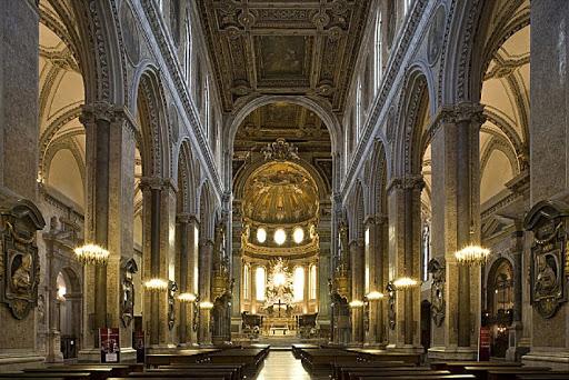 Fase 2: a Napoli squadra esercito sanifica Duomo