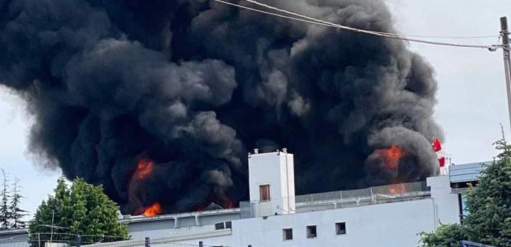 Napoli, esplosione in fabbrica ad Ottaviano, due feriti