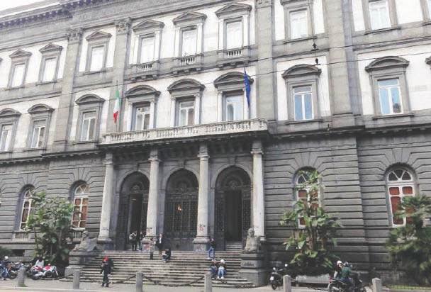 Sesso in cambio di esami alla Federico II di Napoli