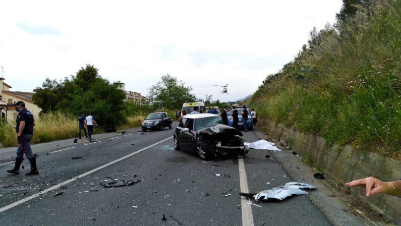 Diamante, due morti in un incidente stradale sulla SS18 - VIDEO