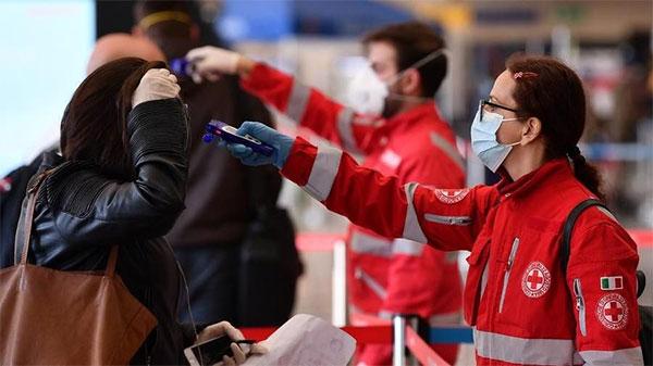 Covid, in Campania altri 5 positivi, nuova ordinanza anti covid della Regione: controllo della temperatura negli uffici