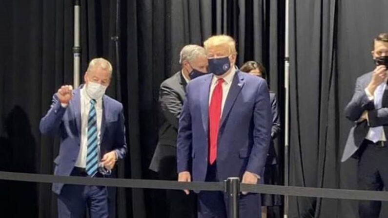 Negli Usa la pandemia riparte e Trump in crisi gioca d'azzardo