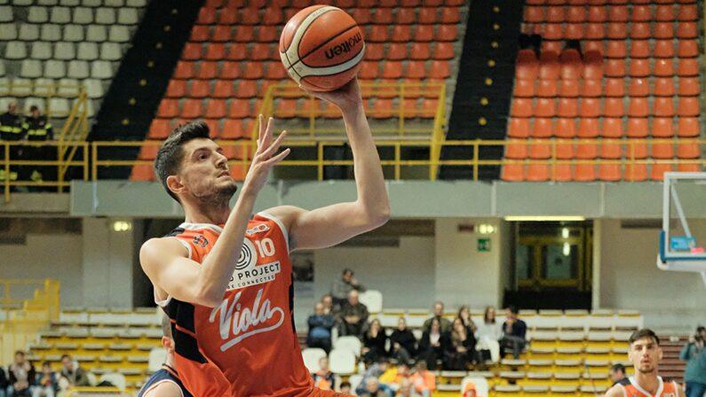 Basket:la Viola giocherà in Serie B, acquisito il titolo sportivo della Gilbertina
