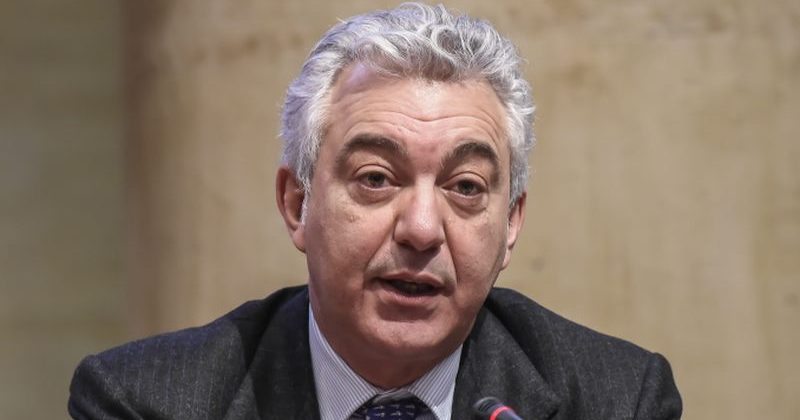 Coronavirus in Italia, 26.831 nuovi contagi e 217 decessi: i casi attivi sfiorano i 300mila mentre i decessi sono più di 38mila