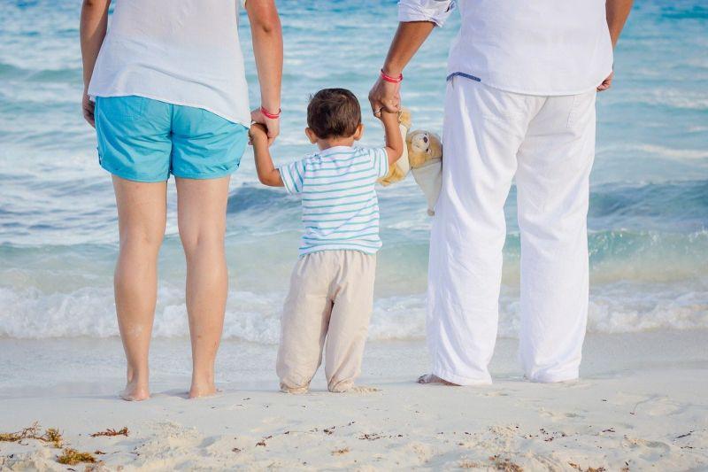 Con il Family Act assegni, contributi e congedi