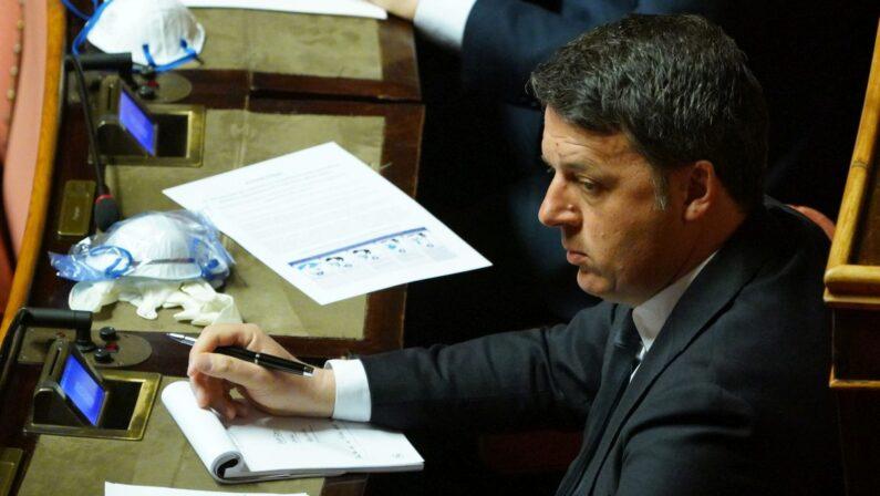 """Renzi """"Escludo coalizione con M5S, non mi fidanzo con Di Battista"""""""