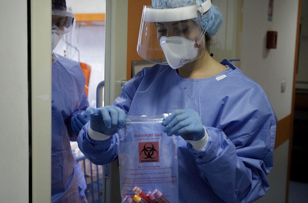 Coronavirus in Italia, nuova impennata di contagi: 1.326 casi in 24 ore