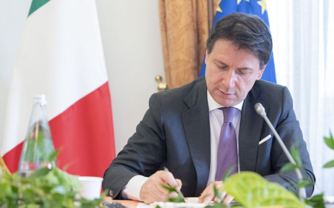 L'editoriale di Roberto Napoletano L'ALTRAVOCE dell'ITALIA Il meccanismo italiano inceppato, va rimosso per evitare di annegare nel brodo degli annunci