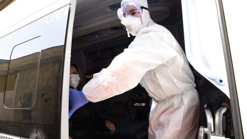 Coronavirus in Italia, crescono ancora i contagi: 402 nuovi casi e 6 decessi