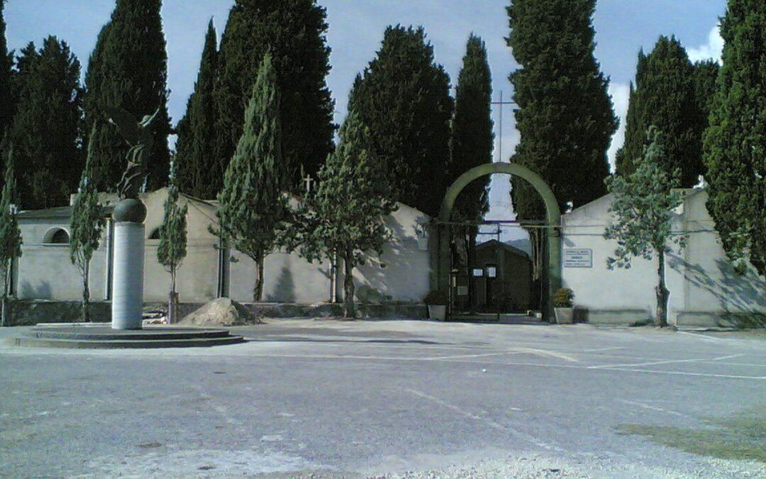 L'ingresso del cimitero di Mileto