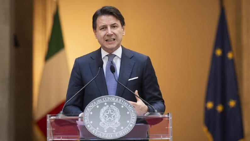 Misure anti-Covid prorogate fino al 7 ottobre, Conte firma il Dpcm
