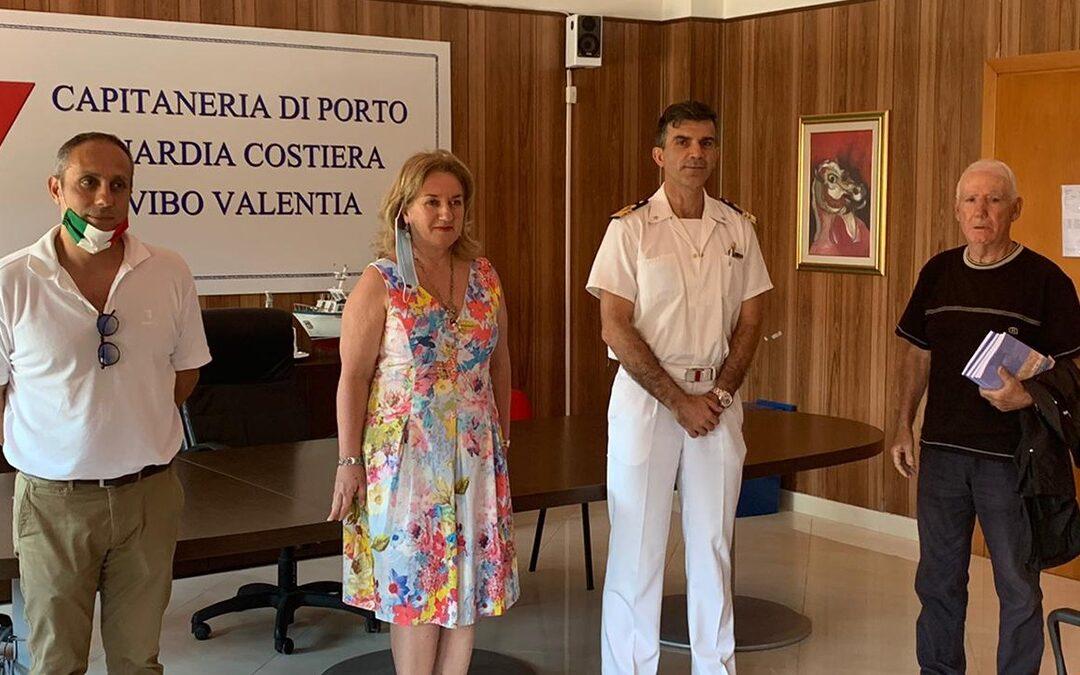 Il consigliere Console, l'assessore Falduto, il comandante Spera ed il titolare de La Vela Cantafio