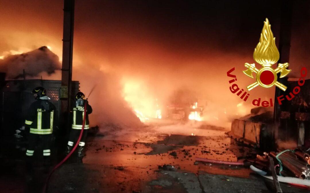 Uno degli incendi nel Catanzarese