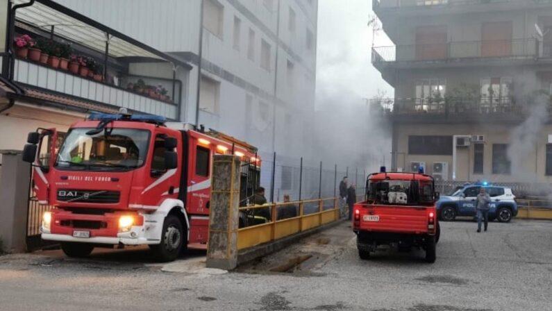 Incendio in un negozio gestito da cinesi a Serra San Bruno