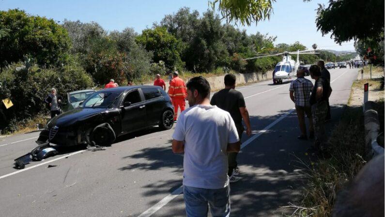 Incidente stradale sulla statale 106 nel Catanzarese: due feriti, uno è grave
