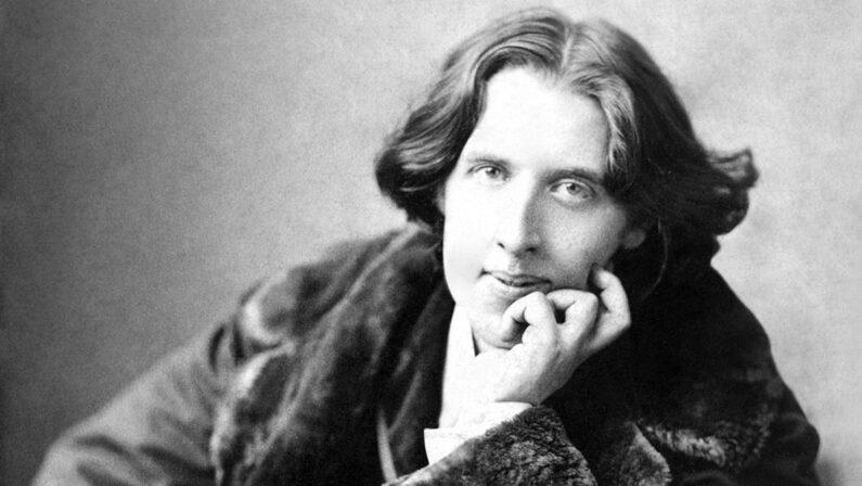 Oscar Wilde:«Il pubblico è straordinariamente tollerante. Perdona tutto tranne il genio»