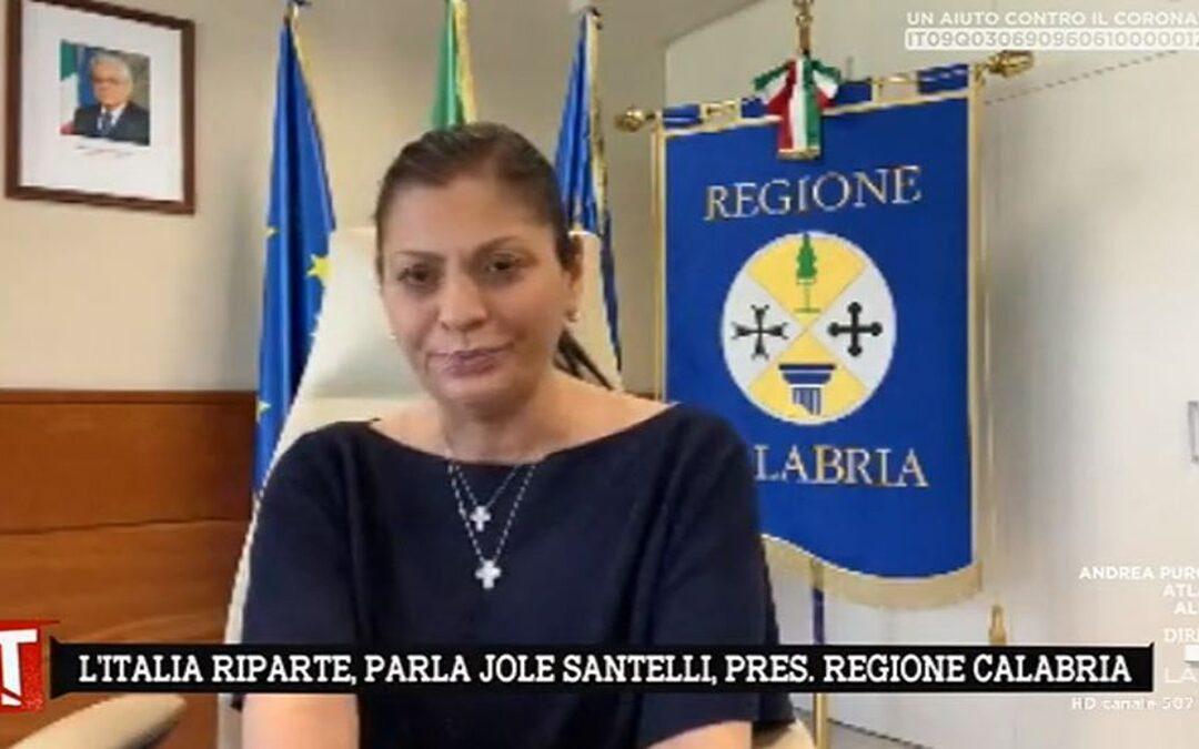 Fase 3 in Calabria, la Santelli ribadisce «Basta registrarsi» ma aggiunge nelle stazioni «rileveremo la temperatura»