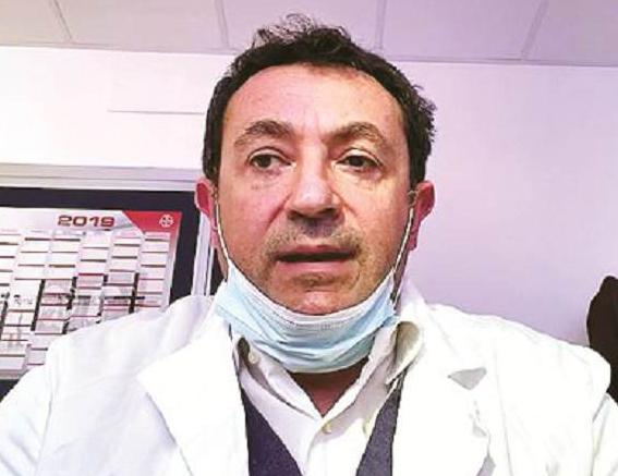 Salerno, la difesa del primario sospeso per abusi