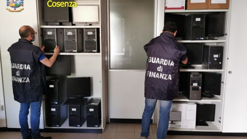 Fatture false e fisco, 600.000 euro sequestrati a due imprenditori nel Cosentino