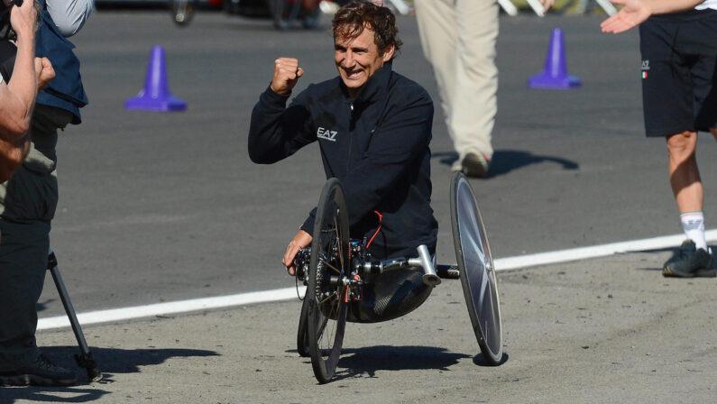 Alex Zanardi fra la vita e la morte, condizioni stabili ma gravissime dopo l'incidente in handbike