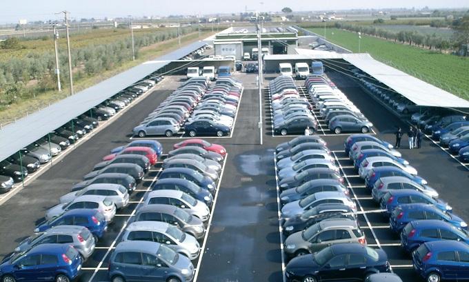 Ad aprile in Italia non è stata costruita nemmeno un'auto: crolla la produzione industriale