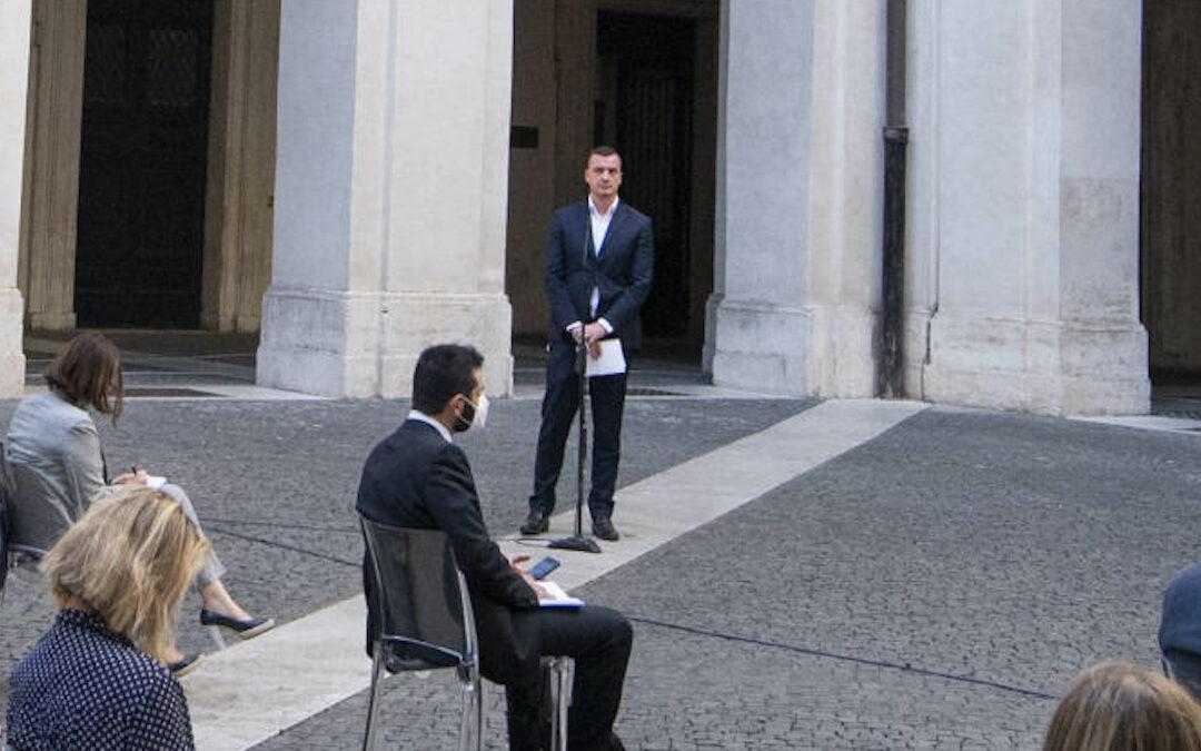 Rocco Casalino durante una conferenza stampa a Palazzo Chigi