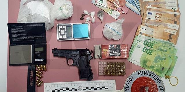 Droga e armi, arrestato nel Cosentino. In casa un vasto assortimento di stupefacenti