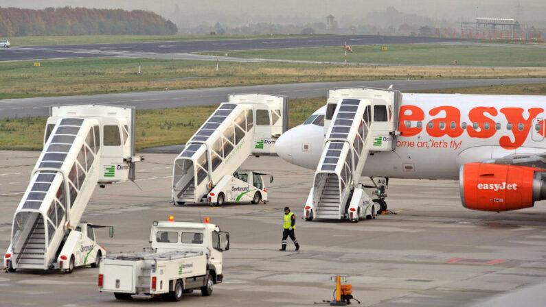 Per Easyjet la Calabria è regione di mafia e terremoti. Monta la polemica e la compagnia aerea si scusa