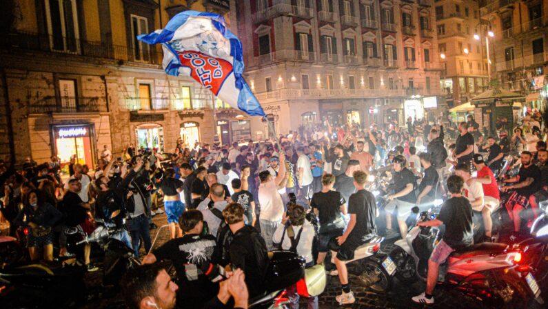Vittoria del Napoli, De Magistris sui festeggiamenti: Ha vinto il contagio della felicità