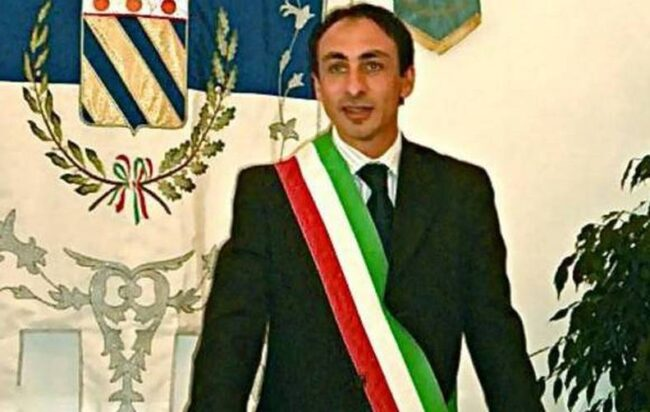 Praiano, stop revocato: il sindaco Di Martino torna in carica