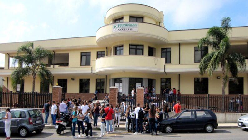 """Vibo Valentia, sfratto dietro l'angolo per il Liceo """"Berto"""""""