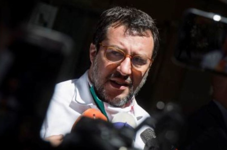 Salvini alla Azzolina: «In Calabria più di ottomila alunni con problemi di disabilità»