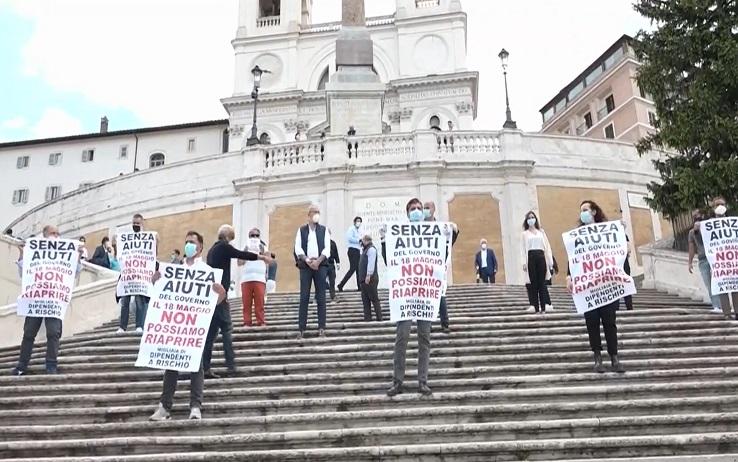 Incassi azzerati, commercianti meridionali in ginocchio: «Aiuti subito o non arriveremo mai alla fase 3»