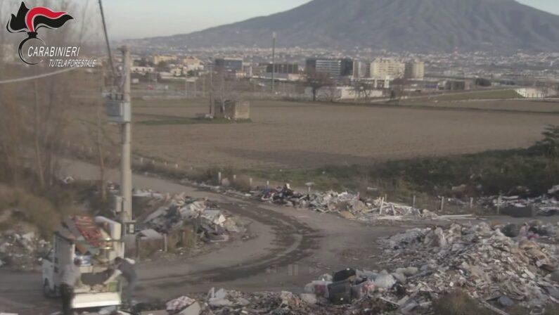 Afragola: Sversava illecitamente rifiuti ma è stato incastrato dalle telecamere