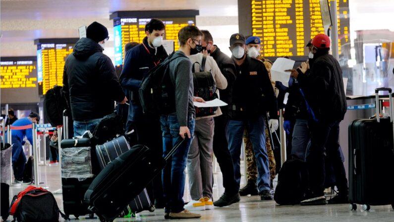 Trasporti, nuove linee guida del Ministero: obbligo di misurazione della temperatura per i treni ad alta velocità