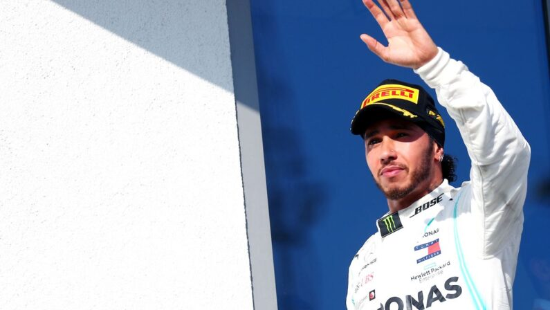 Formula 1, Hamilton trionfa in Ungheria Vettel 6° e Leclerc 11°