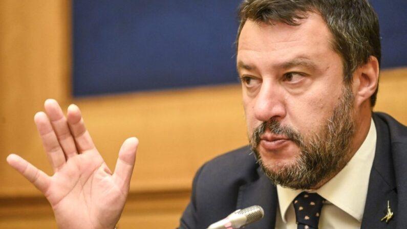 """Salvini """"Record di sbarchi ma la maggioranza mi manda a processo"""""""