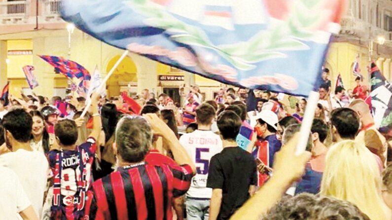 Il Crotone torna in Serie A, un cammino esaltante coronato nell'esplosione di gioia della città