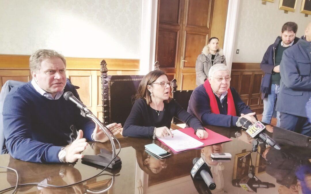 Il commissario Stefano Graziano con il Ministro De Micheli e Pippo Callipo