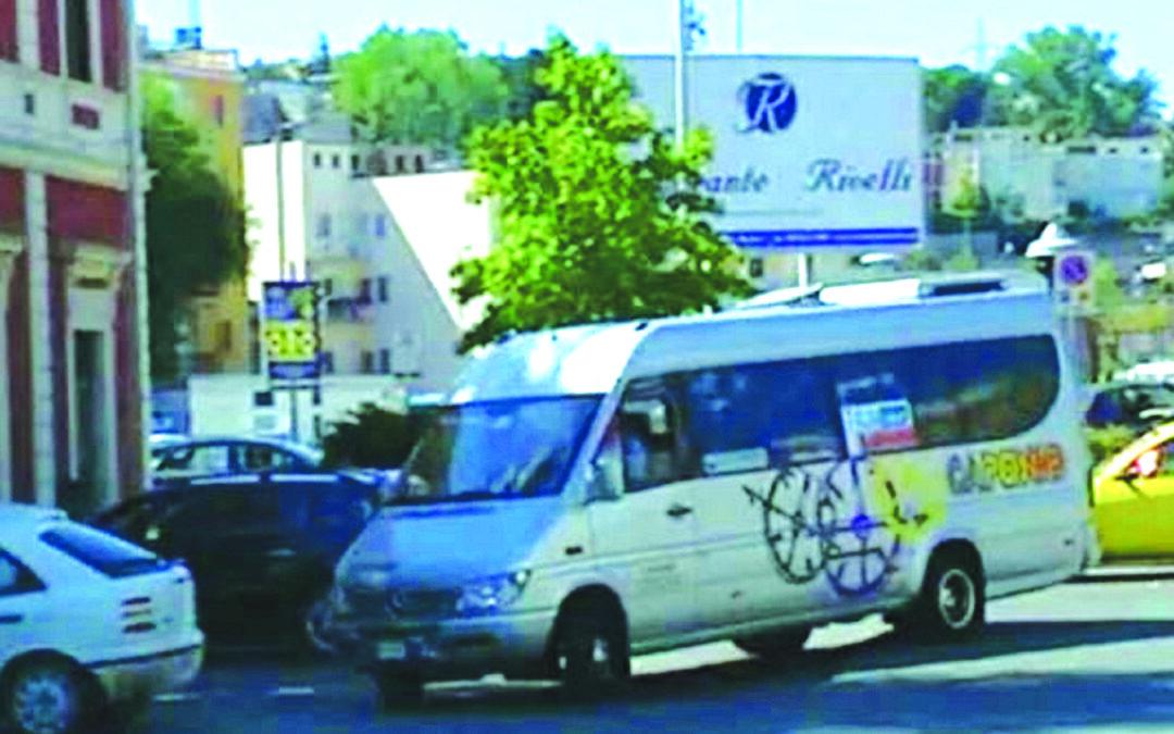Un bus-navetta da Matera per l'aeroporto di Bari Palese
