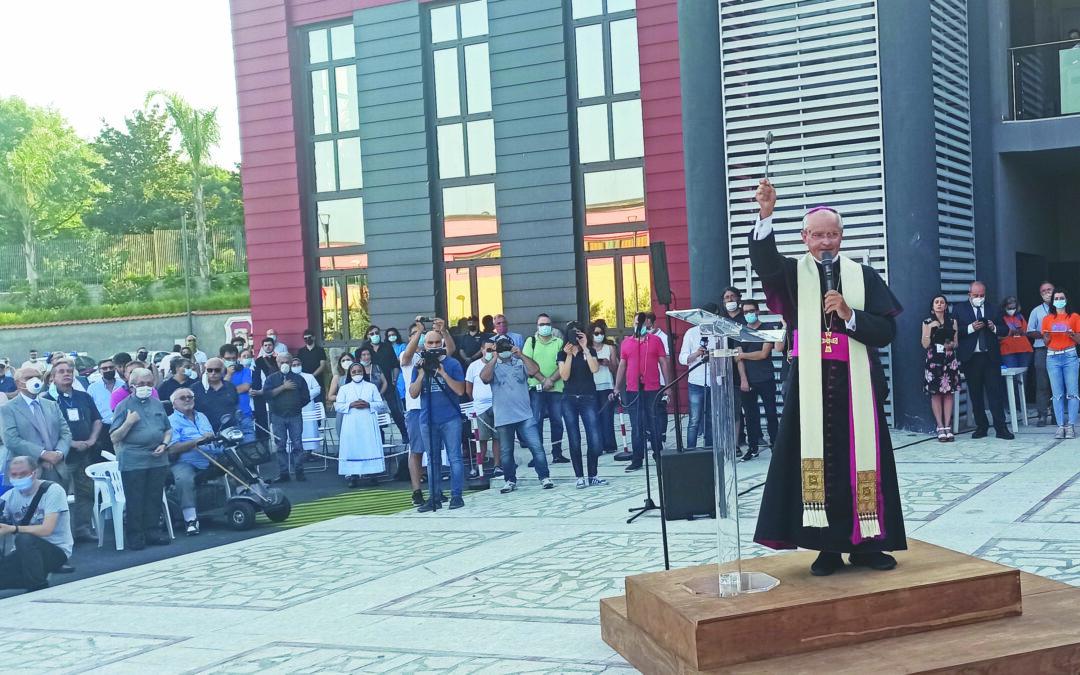 Il Vescovo Aiello benedice la nuova struttura del Polo Giovani di Avellino