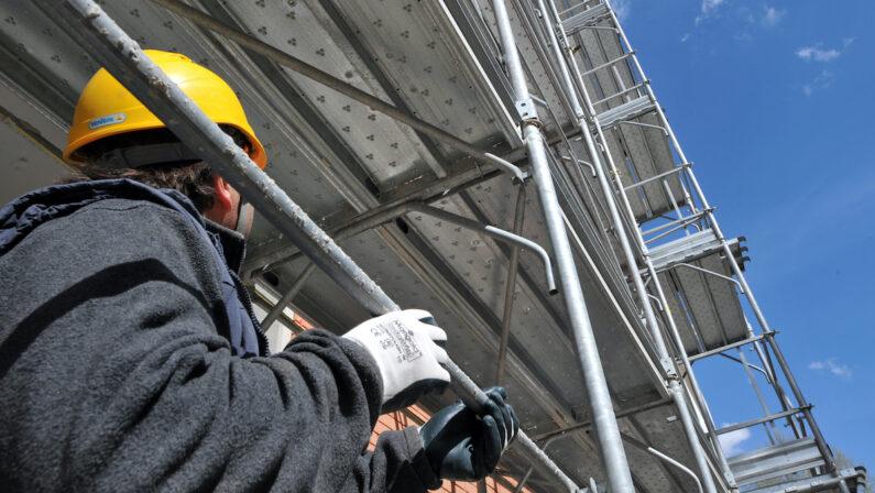 Cantieri bloccati in tutta Italia grazie ai governi degli ultimi cinque anni