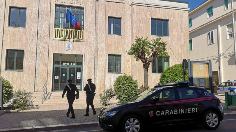 Furti di pistole in Basilicata e Puglia, cinque arresti