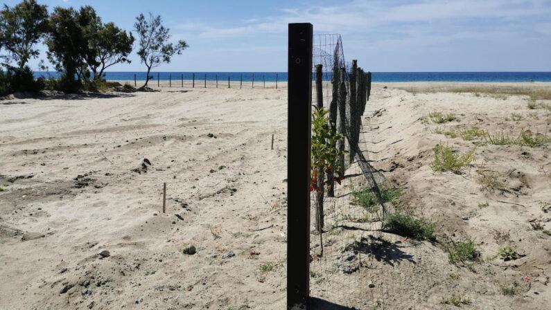 Cutro, scatta la denuncia per le dune spianate nella frazione Steccato